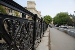 выкованный старый мост стоковая фотография