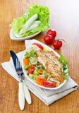 Выкружка рыб с овощами Стоковое Фото