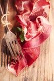 Вылеченные вилки мяса и года сбора винограда Стоковая Фотография