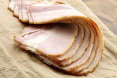 Вылеченный вкусный бекон стоковое изображение rf
