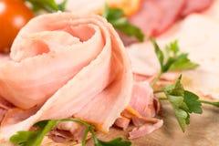 вылечено режущ мясо стоковая фотография rf