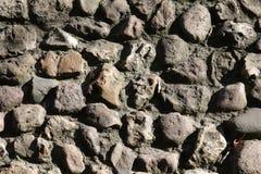 Вымощая каменная стена Стоковые Фото