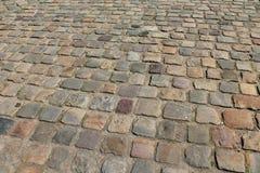 Вымощенная каменная дорожка в Париже, Франции стоковая фотография