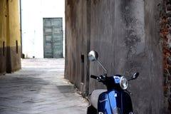 Выпадать из ускорения в улицах Рима стоковые фото