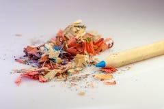 Выпарка карандаша и заточника цвета Стоковые Фотографии RF
