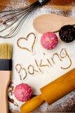 Выпечка влюбленности с пирожными Стоковое Изображение