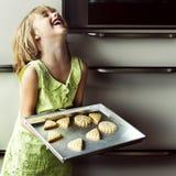 Выпечка ребенк варя концепцию потехи печений Стоковое фото RF