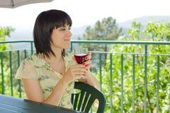 выпивая вино Стоковые Фотографии RF
