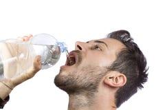 выпивая вода человека Стоковое Изображение RF