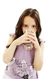 выпивая девушка меньшяя вода портрета милая Стоковые Фотографии RF