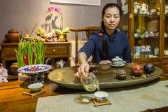 Выпивая зеленый чай в Китае Стоковое Изображение RF