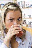выпивая помеец Стоковое Изображение