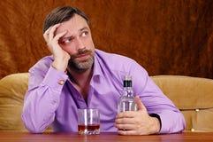 выпито получающ человека стоковое изображение rf