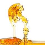 Выплеск масла в абстрактной форме в воде. Стоковые Изображения RF