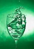 выплеск предпосылки стеклянный зеленый Стоковая Фотография RF