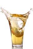 выплеск яблочного сока Стоковое Изображение RF