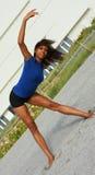 выполнять йогу женщины Стоковые Фотографии RF