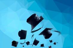 Выпускная церемония, крышки градации, шляпа брошенная в воздух с Стоковые Фотографии RF