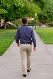 Выпускник коллежа на кампусе в Орегоне Стоковые Изображения