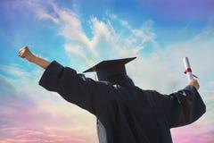 Выпускной день и диплом Стоковая Фотография