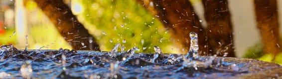 Выплеск капельки воды стоковые изображения rf