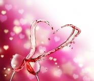 Выплеск сердца от 2 стекел красного вина иллюстрация штока