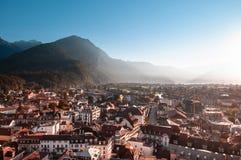 Выравнивать вид с воздуха сцены улицы старых зданий в старом городке Интерлакене, Швейцария стоковое фото