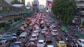 Выравнивать затор движения на дороге Ratchadamri bangkok Таиланд акции видеоматериалы