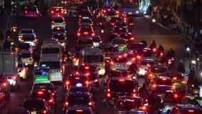 Выравнивать затор движения на улице города Бангкока r видеоматериал