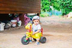 Выражение лица мальчика стоковая фотография rf