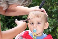 Вырезывание волос Стоковая Фотография RF
