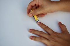 Вырезывание ногтя Стоковые Изображения RF