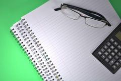 Выровнянная бумага Ringbound, зеленая Стоковая Фотография