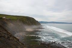 Выровнянные камни идя к морю, Испании Стоковое фото RF