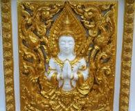 Высекаенная углом краска золота на виске стены Стоковые Изображения RF