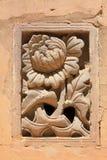 Высекаенное украшение на стене в восточных королевских усыпальницах  Стоковые Фото