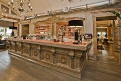 Высекаенный деревянный бар Стоковые Изображения