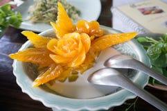 Высекаенный сладкий картофель в сливк кокоса. Стоковые Изображения