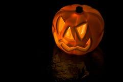 высеканная тыква halloween Черная предпосылка Стоковая Фотография