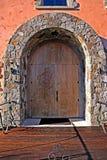 высеканное деревянное двери симпатичное Стоковые Фотографии RF