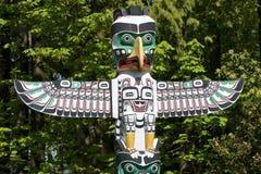 высекать первый totem полюса наций Стоковая Фотография RF