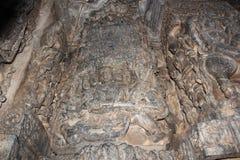 Высекать стены виска Hoysaleshwara Ravana kailasa держателя короля демона поднимаясь Стоковая Фотография RF