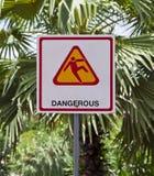 Выскальзование предупреждения знака. Стоковое фото RF