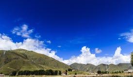 высокая гора в тибетце Стоковая Фотография