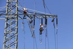 высокая линия напряжение тока силы Стоковые Изображения
