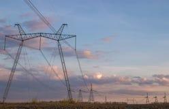 высокая линия напряжение тока силы Стоковая Фотография RF