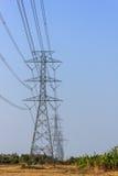 Высокая линия башни силы Volage Стоковые Фотографии RF