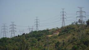 высокая линия напряжение тока силы Филиппины, Лусон Стоковая Фотография