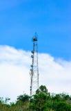 Высокие башни и природа сотового телефона Стоковые Фотографии RF
