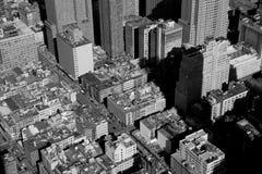 Высокие здания подъема в городском пейзаже Нью-Йорка Стоковое фото RF